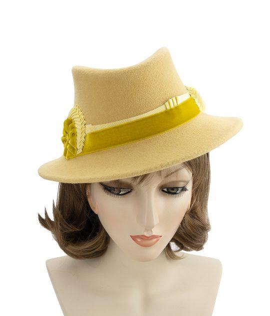 Yellow vintage-style fedora